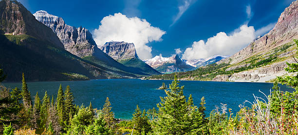 st. mary lake panorama - st. mary lake stock pictures, royalty-free photos & images