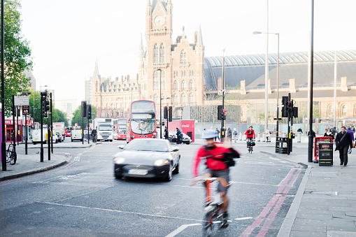 172864410 istock photo St Pancras Railway Station, Euston Road, Traffic, Commuters 459430407