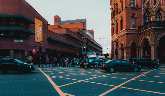 172864410 istock photo St Pancras Railway Station, Euston Road, Traffic, Commuters 869940226