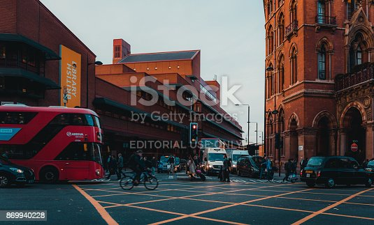 172864410istockphoto St Pancras Railway Station, Euston Road, Traffic, Commuters 869940228