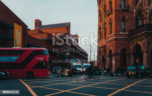 172864410istockphoto St Pancras Railway Station, Euston Road, Traffic, Commuters 869940242