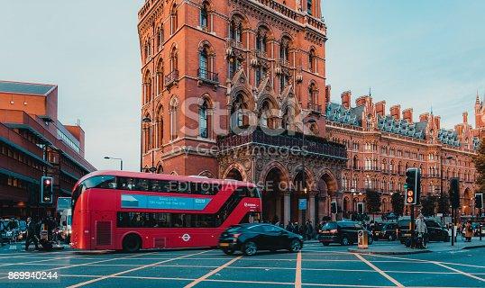 172864410istockphoto St Pancras Railway Station, Euston Road, Traffic, Commuters 869940244