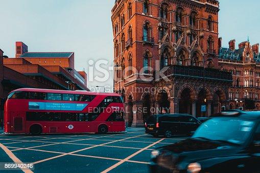 172864410istockphoto St Pancras Railway Station, Euston Road, Traffic, Commuters 869940246