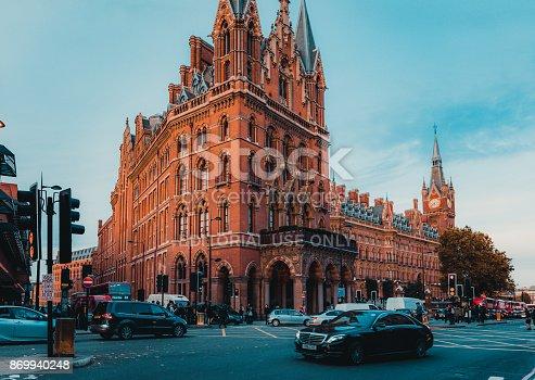 172864410istockphoto St Pancras Railway Station, Euston Road, Traffic, Commuters 869940248