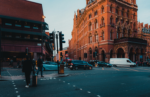 172864410 istock photo St Pancras Railway Station, Euston Road, Traffic, Commuters 869940250
