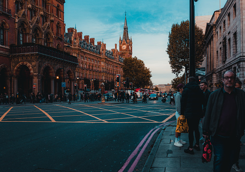 172864410 istock photo St Pancras Railway Station, Euston Road, Traffic, Commuters 869940252