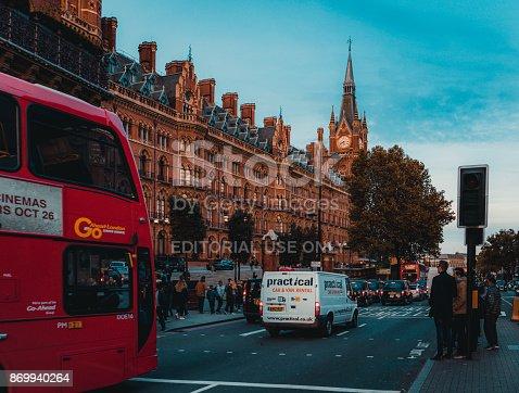 172864410istockphoto St Pancras Railway Station, Euston Road, Traffic, Commuters 869940264