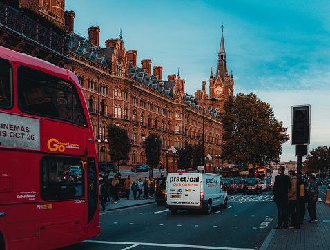 172864410 istock photo St Pancras Railway Station, Euston Road, Traffic, Commuters 869940264