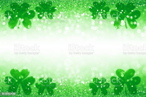 St patrick day shamrock irish lucky green background backdrop picture id913240436?b=1&k=6&m=913240436&s=612x612&h=5dlur9rjn60wogrbeqhpfiq5rpaplcy61zerr6mxp8m=