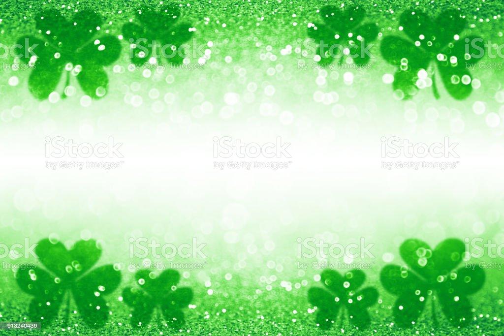 Día San Patricio Shamrock irlandés afortunado fondo verde telón de fondo - foto de stock