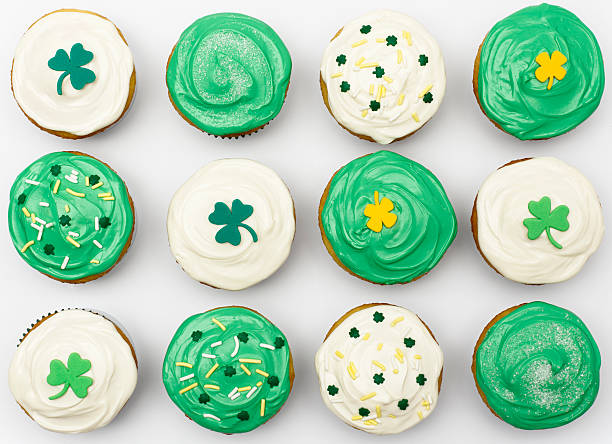 st. patrick's cupcakes - st patricks day food stock photos and pictures