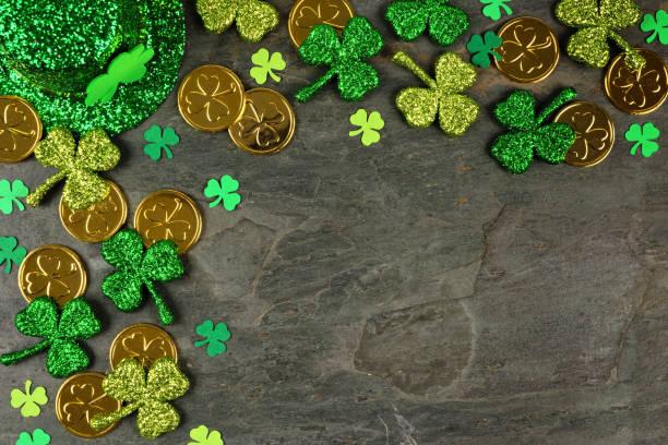 St patricks day corner border of shamrocks gold coins leprechaun hat picture id1124856490?b=1&k=6&m=1124856490&s=612x612&w=0&h=h5onlpgj3b0tcskugmvsixuir5bopn8v1e pziekxfm=