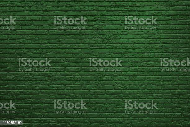 St patricks day green brick wall picture id1130652182?b=1&k=6&m=1130652182&s=612x612&h=dkf wrdrqafhqauzzbdvttkjycjxzoykrlm os pr8m=