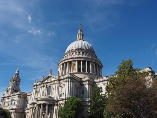 Catedral do St Paul em Londres - foto de acervo
