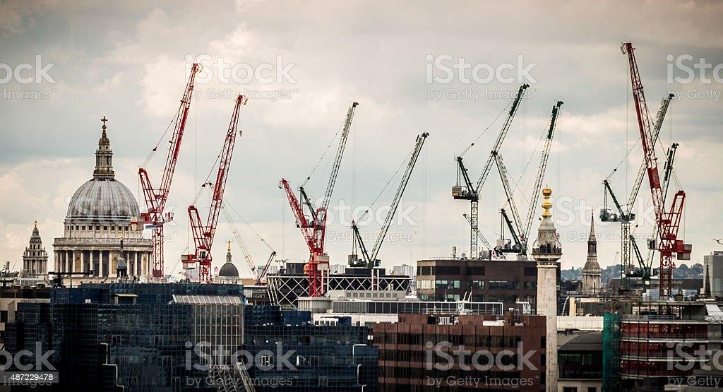 St Pauls Cathedral und der Cranes auf die Skyline von London – Foto
