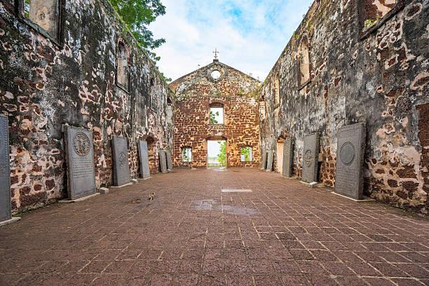 st. paul's church is a historic church building in malacca - malakka staat stockfoto's en -beelden