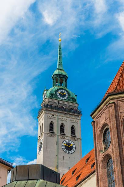 peterskyrkan i münchen - sankt peterskyrkan münchen bildbanksfoton och bilder