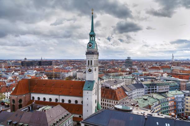 st. peter ' s church, münchen, tyskland - sankt peterskyrkan münchen bildbanksfoton och bilder