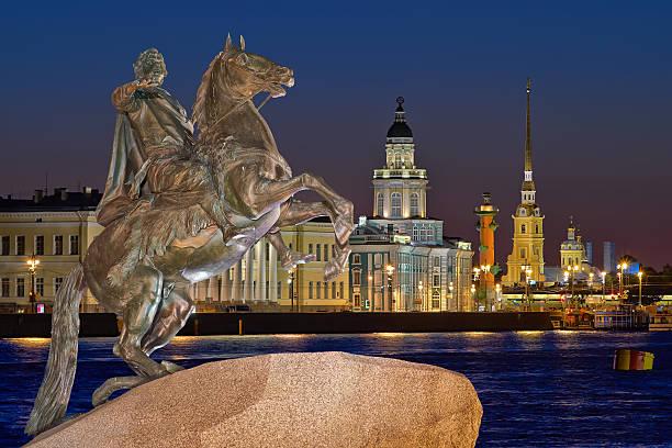 st petersburg, russia - neva stockfoto's en -beelden