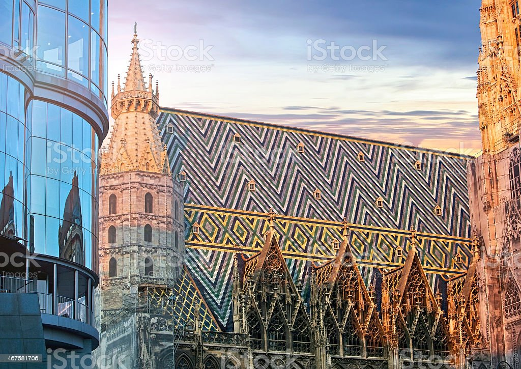 St. Stephan cathedral and the modern Haas Haus Vienna stock photo