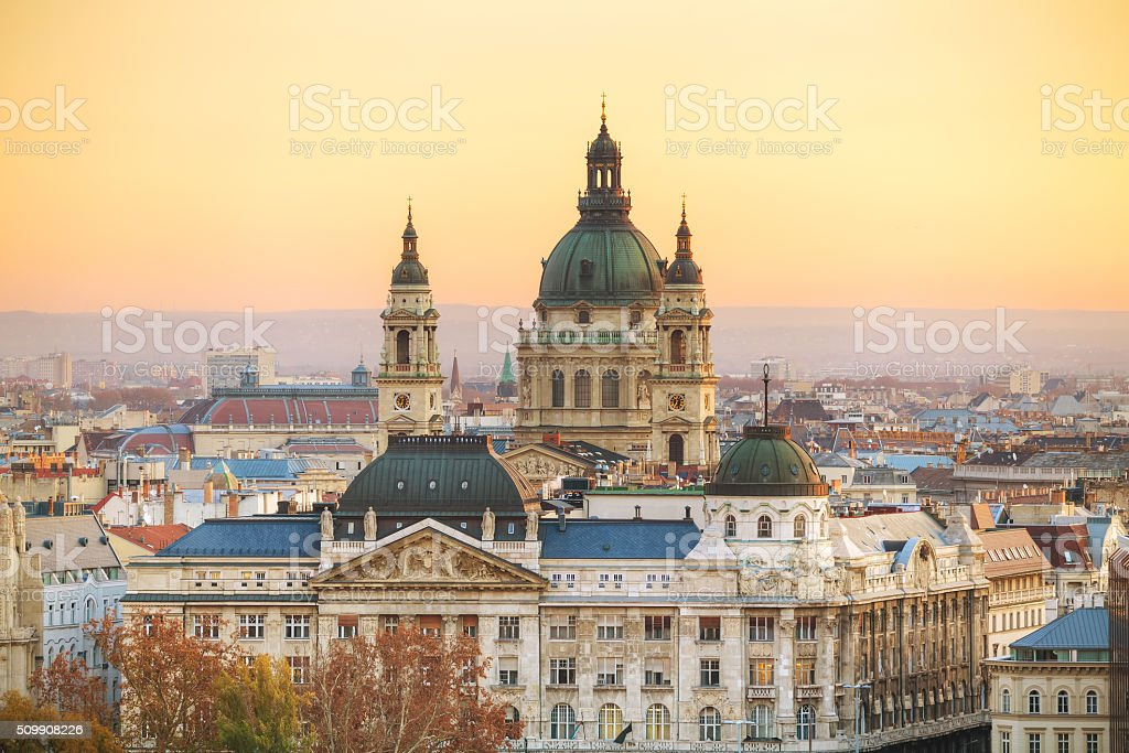 St Stephen (St Istvan) Basilica in Budapest foto