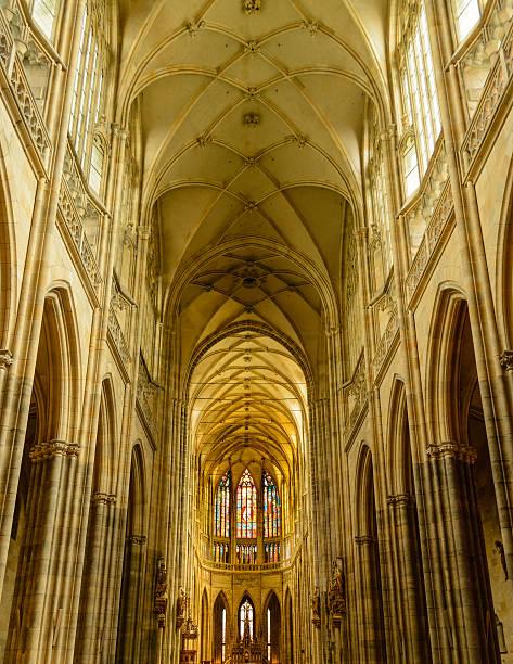 Catedral de St. Vittus interior - foto de acervo