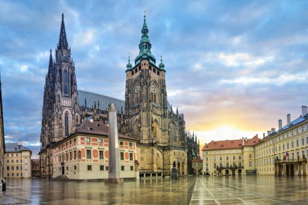 catedral de são vito em praga, chéquia - praga boémia - fotografias e filmes do acervo
