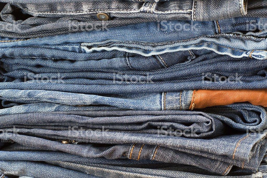 Pilha de jeans azul - Foto de stock de Algodão - Material Têxtil royalty-free