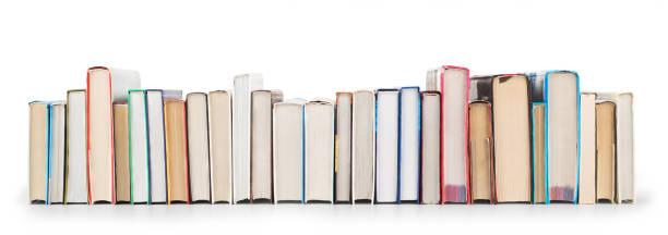 Pilha de livros isolado em um fundo branco - foto de acervo