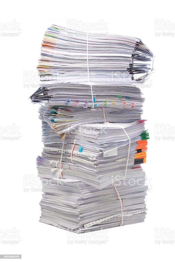 Stapel document handelspapieren geïsoleerd op witte achtergrond - Royalty-free Aan het werk Stockfoto