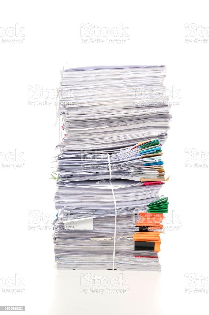 Stapel von Geschäftspapieren Dokument isoliert auf weißem Hintergrund - Lizenzfrei Abfallwirtschaft Stock-Foto