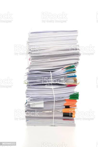Stapel Von Geschäftspapieren Dokument Isoliert Auf Weißem Hintergrund Stockfoto und mehr Bilder von Abfallwirtschaft