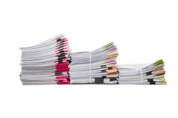 stapel von geschäftspapieren auf weißem hintergrund isoliert - gefüllte bon bons stock-fotos und bilder
