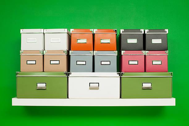 Stapel von Pappe bunten Boxen – Foto