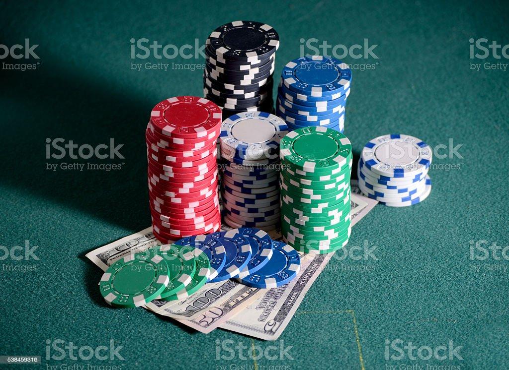 покер или казино лижбы халявное