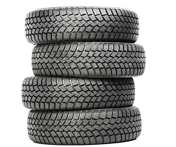 Stapel von vier Rad winter Auto Reifen Isoliert – Foto