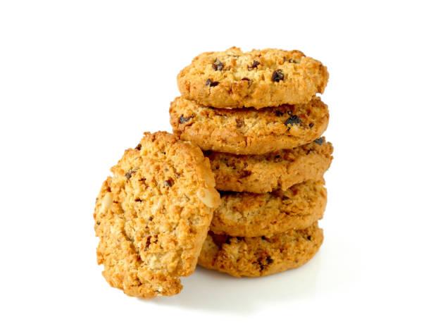 stapel von haferflocken cookies mit rosinen - haferflocken rosinen stock-fotos und bilder