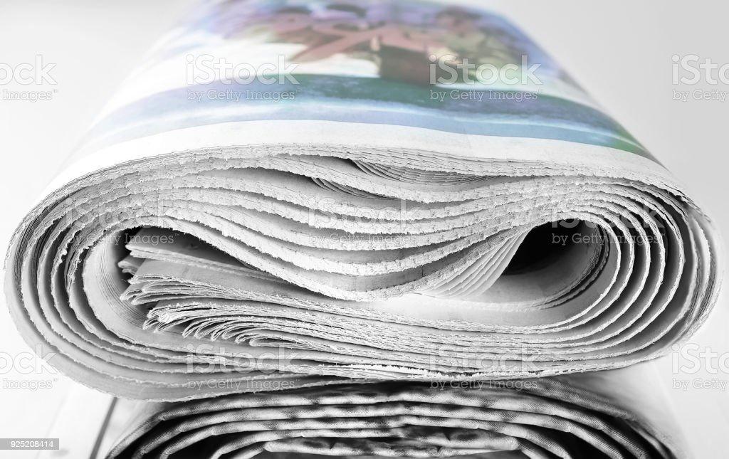 Pile enroulé de vieux journaux - Photo