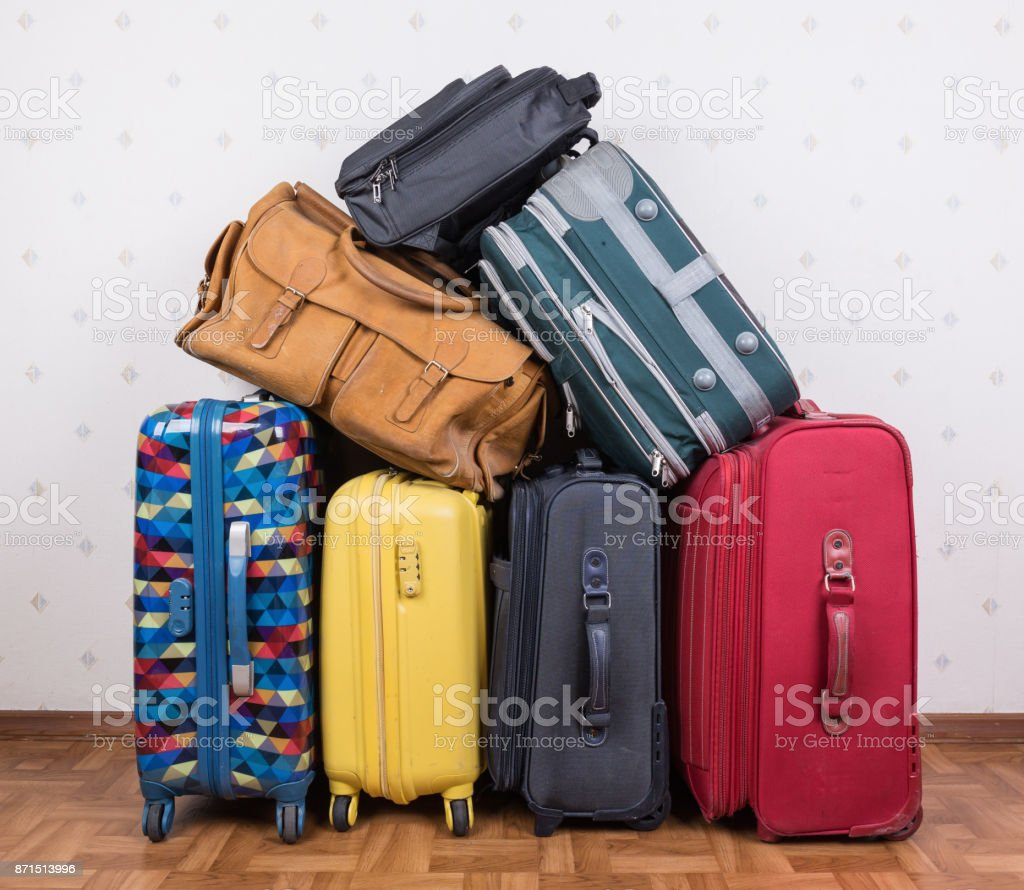 A stack of old suitcases - foto stock