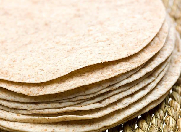 Montón de trigo integral Tortillas - foto de stock