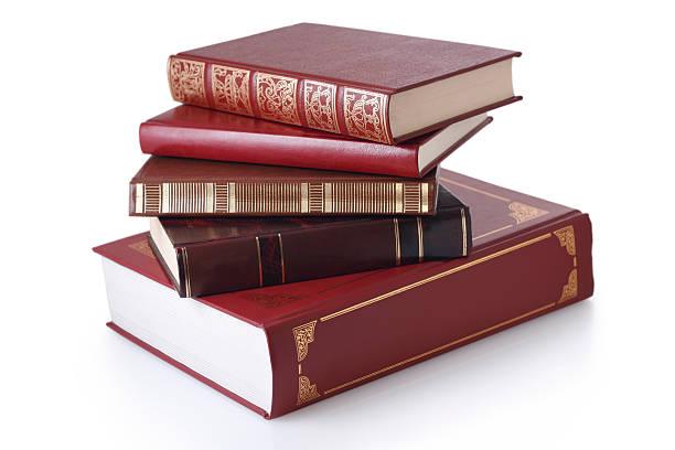 Stack stilvollen Bücher isoliert. – Foto