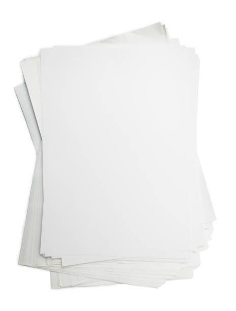 weißes papier stapel - klapprahmen stock-fotos und bilder