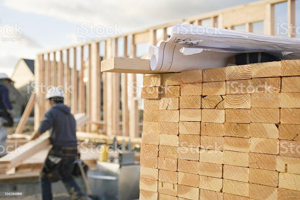 Geschlossene Holz und Werkzeuge an einer Baustelle – Foto