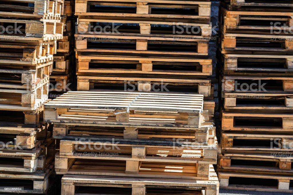Stacked wooden pallets zbiór zdjęć royalty-free