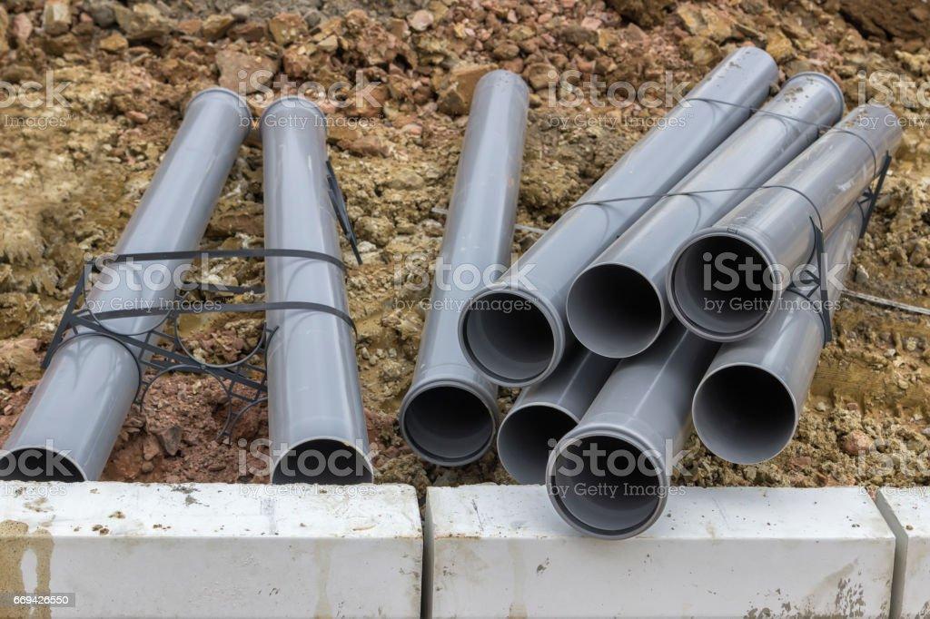 2 の建設現場での塩ビ管のスタック - セルビアのストックフォトや画像 ...