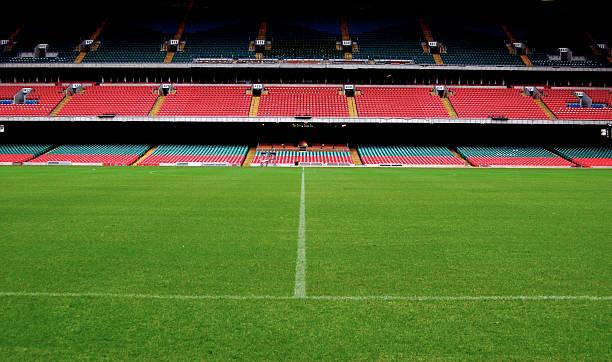 stadium, ground level - internationaal voetbalevenement stockfoto's en -beelden