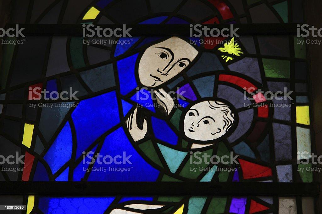 ステンドグラス窓の教会 - カトリックのロイヤリティフリーストックフォト