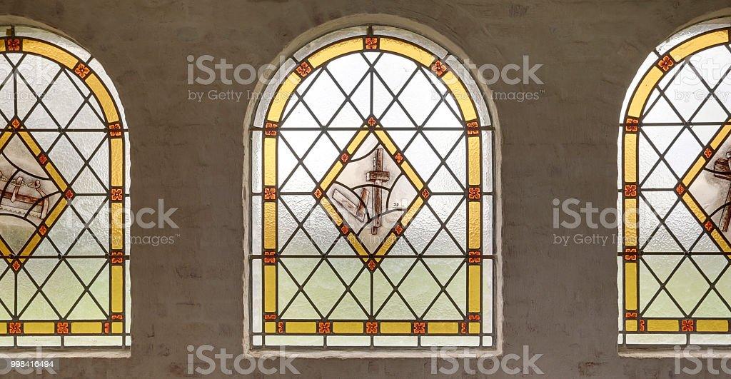 Glasfenster in der Kirche Nahaufnahme – Foto