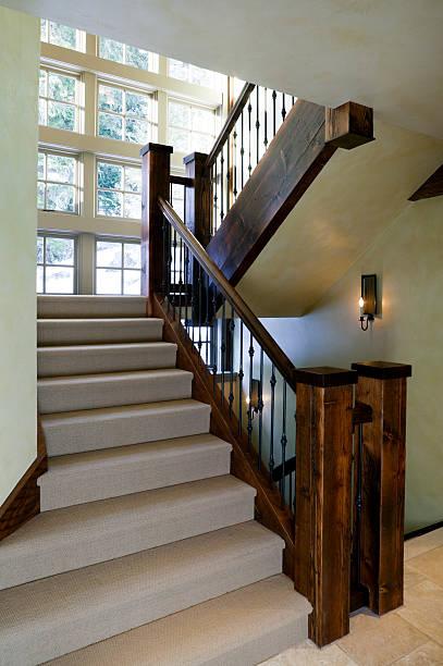 treppe home interior - wandleuchte treppenhaus stock-fotos und bilder