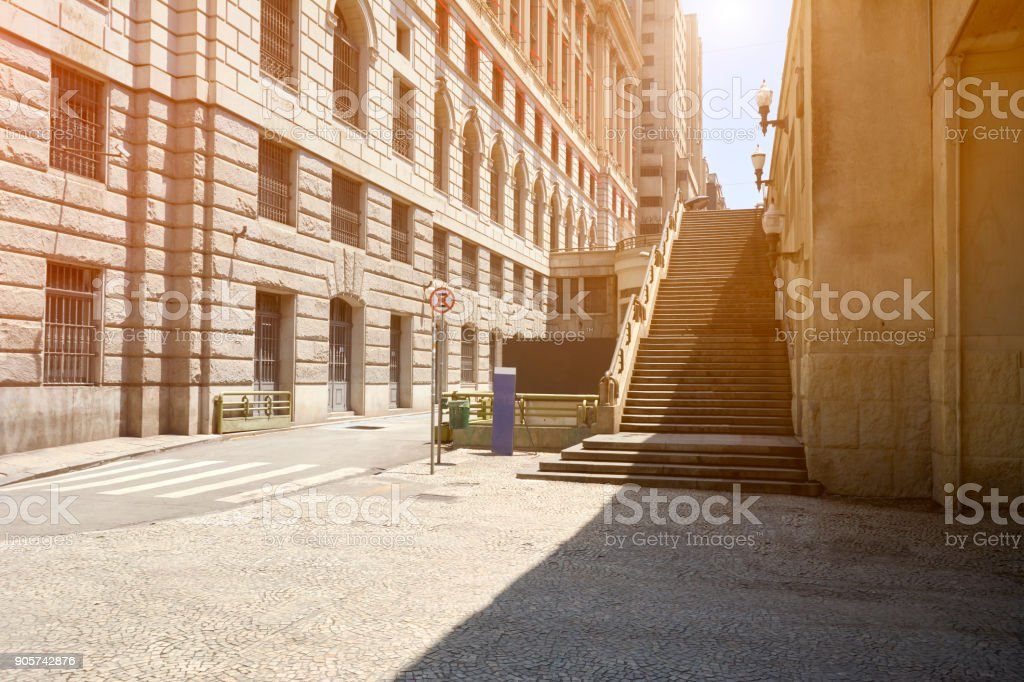 Escadaria no centro da cidade de São Paulo. - foto de acervo